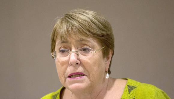 Sin especificar algún país, Michelle Bachelet alertó que los Gobiernos podrían estar haciendo uso de la tecnología para acosar a activistas. (Foto: AFP).