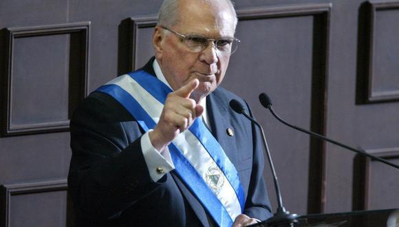 Fotografía tomada el 10 de enero de 2005 del presidente de Nicaragua, Enrique Bolaños, mientras pronunciaba su discurso sobre el Estado de la Nación. (Foto de MIGUEL ALVAREZ / AFP).