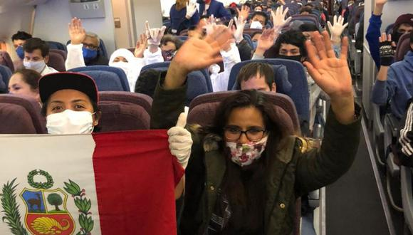Los peruanos varados en Sudáfrica por la pandemia de coronavirus COVID-19 aterrizaron en el Perú el último lunes. (Foto: Ximena Vega / Cortesía para El Comercio)
