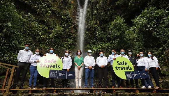 San Martín: el sello Safe Travels fue recibido por el gobernador regional de San Martín, Pedro Bogarín. (Foto: Mincetur)