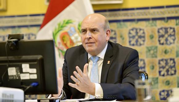 El canciller Mario López Chávarri se muestra positivo ante la llegada de la vacuna contra la COVID-19. (Foto: GEC)