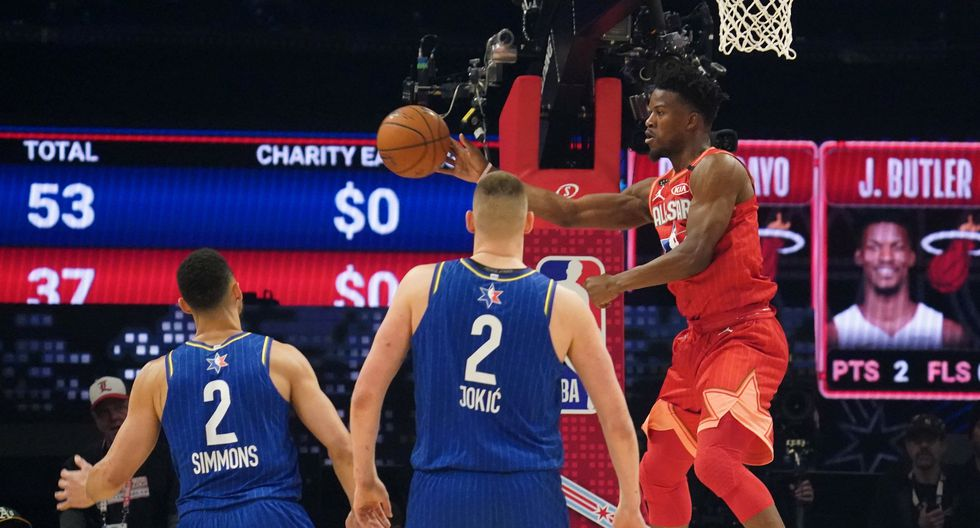 Feb 16, 2020; Chicago, Illinois, USA; Team Giannis forward Jimmy Butler of the Miami Heat passes the ball in the first half during the 2020 NBA All Star Game at United Center. Mandatory Credit: Kyle Terada-USA TODAY Sports