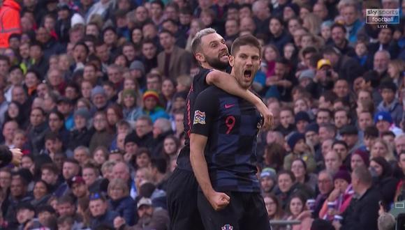 Andrej Kramaric definió de una manera excepcional ante gran parte del bloque defensivo de Inglaterra. El ariete de Croacia tuvo que realizar una serie de amagues antes de ejecutar su remate. (Foto: captura de video)