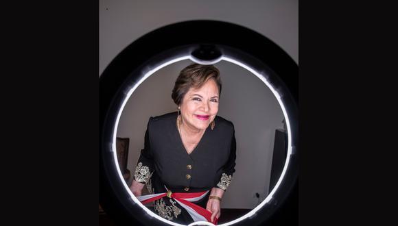 ENFOQUE DISTINTO. Sasieta (Lima, 1957) es conocida como la 'Señora Ley'. El apelativo le fue puesto cuando empezó a conducir bloques sobre asuntos legales en la TV.