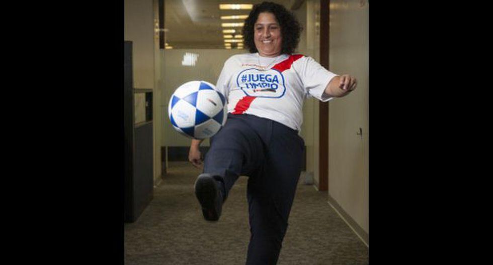 Muñoz lanzó una campaña para mezclar fútbol y ecología. Añora sus tiempos de capitana de la selección PUCP. (Foto: Eduardo Cavero/ El Comercio)