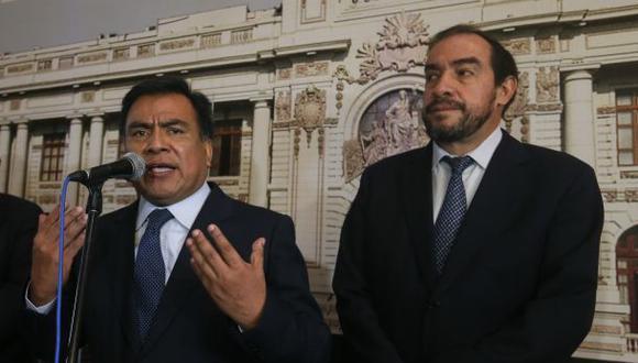 Javier Velásquez Quesquén y Yonhy Lescano deslindaron resopnsabilidad respecto a la aprobación, en el anterior Congreso, de un proyecto del gobierno de Ollanta Humala para redistribuir fondos que no fueron utilizados en prevenci&oacu