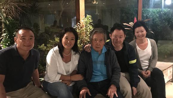 """Alberto Fujimori  indicó que la agrupación liderada por su hija Keiko Fujimori asumirá """"el reto de rescatar a nuestro país"""" . (Foto: Twitter / Keiko Fujimori)"""