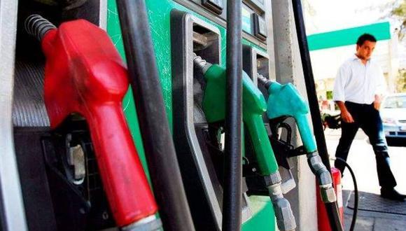 Los precios del galón americano de diésel (de 1 dólar antes del reajuste) y de la gasolina extra (de US$1,85) serán fijados de acuerdo a las cotizaciones en el mercado internacional. (Foto: Archivo)