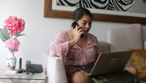 El 78% de consultados indica que prefiere continuar haciendo home office, a pesar de sentir que trabajan más horas de lo usual. (Foto: Marco Ramón / GEC)