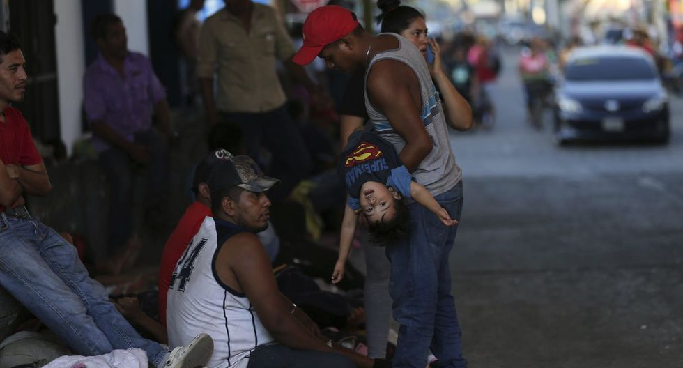 Las fuerzas de seguridad fronterizas en el sur de México se preparaban para la llegada prevista de cientos de centroamericanos que viajaban por Guatemala con la esperanza de llegar a Estados Unidos. (Foto: AP)