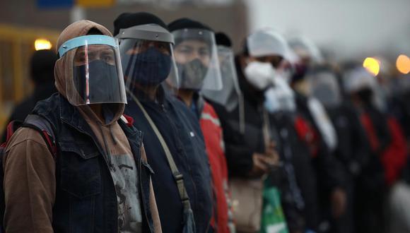 Uso obligatorio de protectores sociales rige como obligatorio en el transporte público (Foto: Joel Alonzo/GEC)