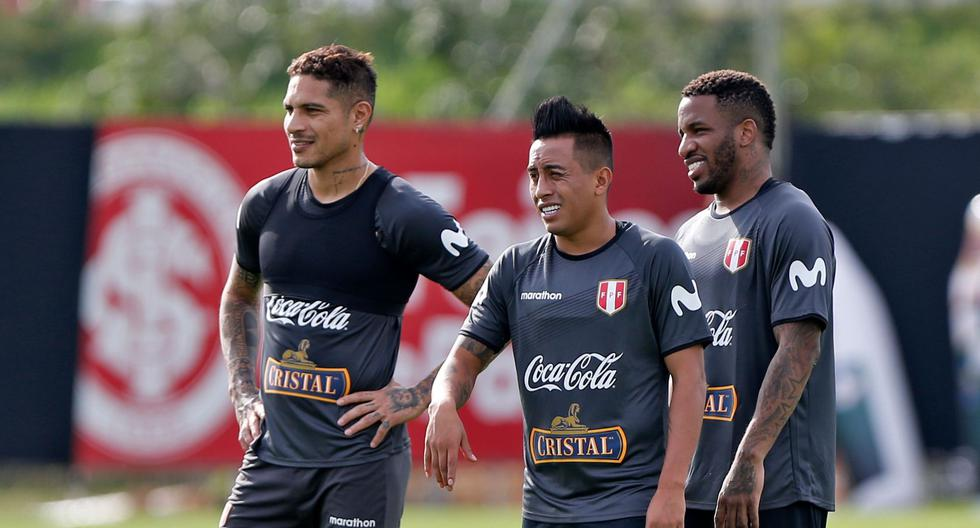 Paolo Guerrero y Jefferson Farfán no juegan juntos desde la Copa América 2019. (Foto: AFP)