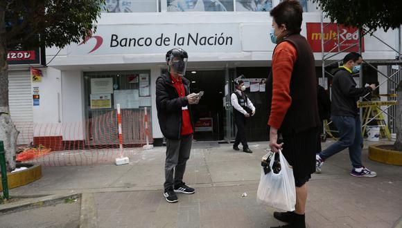 Este jueves 15 de octubre podrán cobrar el Segundo Bono Familiar Universal los beneficiarios de la modalidad 'Depósito en Cuenta' cuyo número de DNI termine en 2 (Foto: Fernando Sangama / GEC)