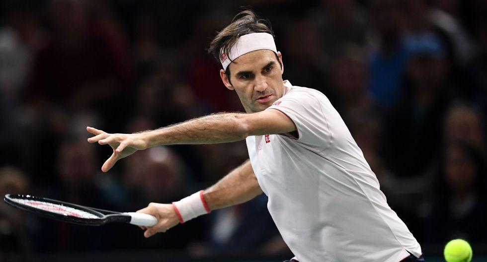 Federer venció a Nishikori y accedió a las semifinales del Masters de París. (Foto: AFP)