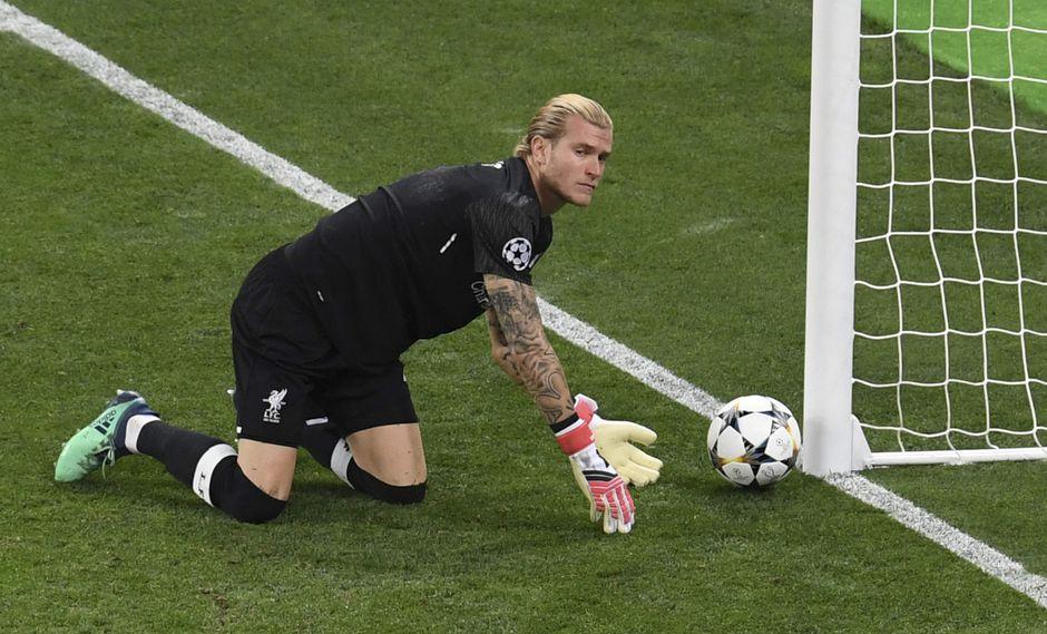 El arquero Karius sufrió conmoción cerebral en la final de la Champions que pudo influir en sus errores ante Real Madrid. (Foto: AFP)