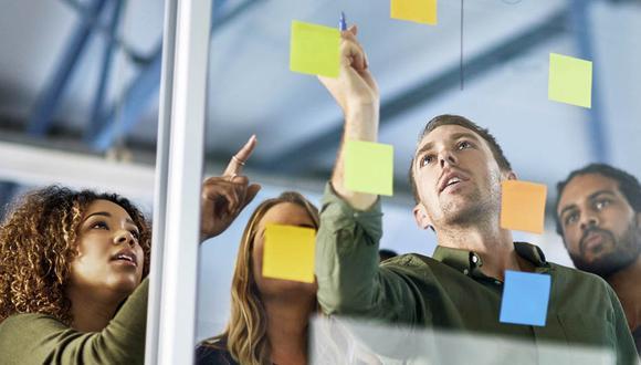 """""""Los trabajadores buscan que la experiencia en sus compañías coincida con lo que esperan como clientes en otras áreas de su vida: quieren que sea significativa, personalizada, amigable y digital"""", mencionó Kato. (Foto: Archivo)"""