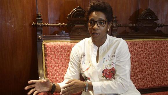 Parlamentaria fujimorista afirmó que ella fue a visitar al condenado ex presidente cuatro veces en la clínica.