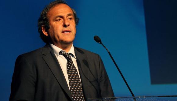 Michel Platini criticó a la FIFA por tolerar la discriminación
