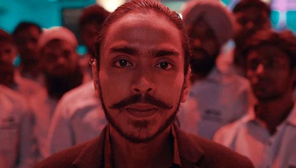 "Adarsh Gourav interpreta a Balram Halwai en ""Tigre blanco"" (Foto: Netflix)"