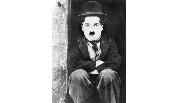 Charles Chaplin debutó en el mundo del espectáculo a la edad de cinco años, cuando reemplazó a su madre en una actuación. [Foto: AFP]