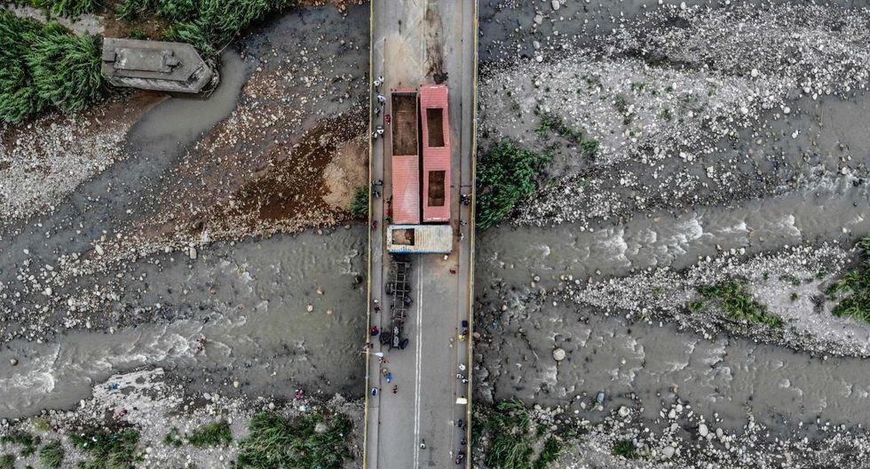 Esta medida que supone un alivio para miles de personas que a diario buscan llegar a la ciudad de Cúcuta.(Foto: AFP)