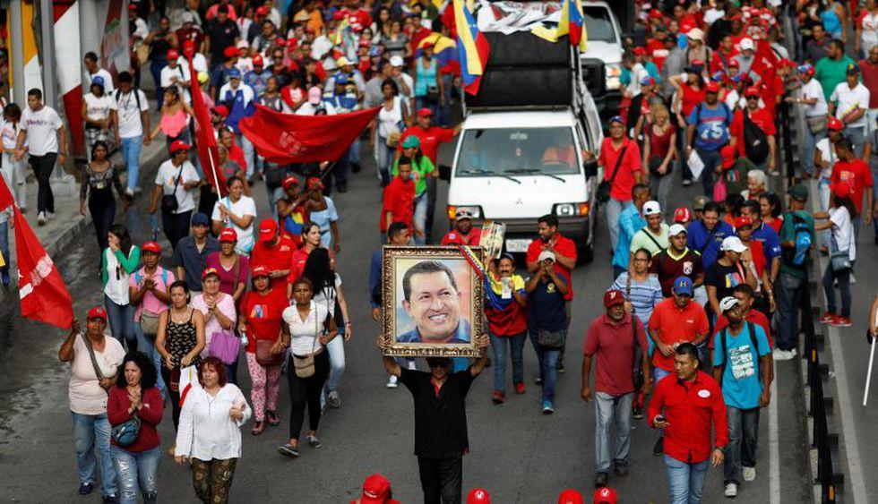 El chavismo marchó este martes en favor de las medidas económicas de Nicolás Maduro.   Foto: Reuters