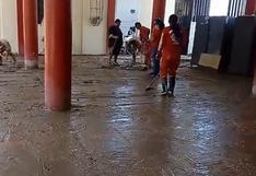 Moquegua: Escuela de la Policía y Compañía de Bomberos terminan inundadas de lodo tras caída de huaicos