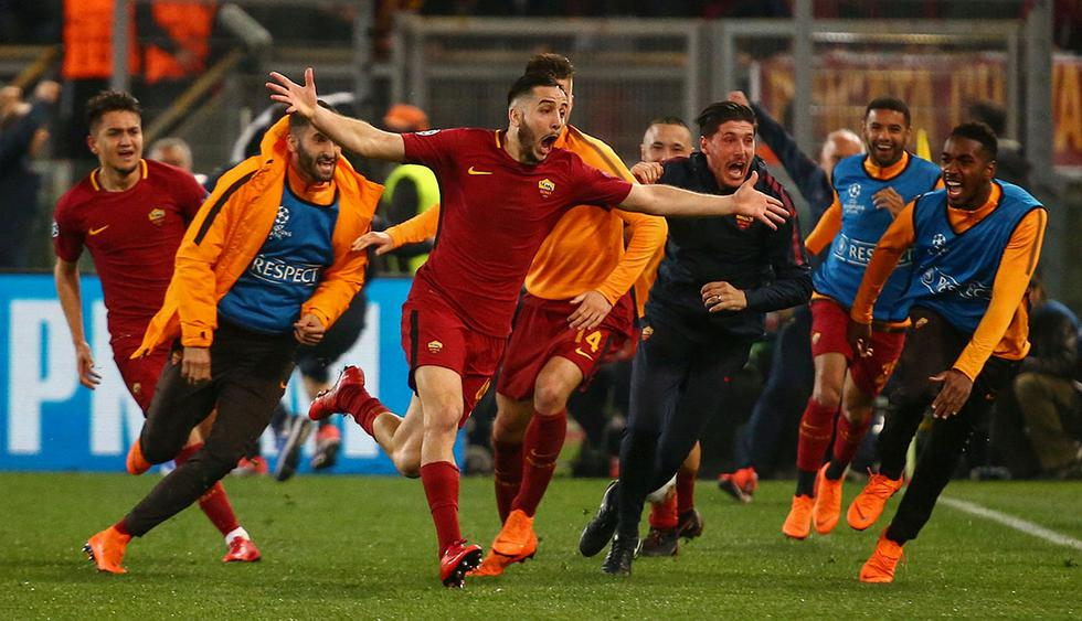 Soccer Football - Champions League Quarter Final Second Leg - AS Roma vs FC Barcelona - Stadio Olimpico, Rome, Italy - April 10, 2018   Roma's Konstantinos Manolas celebrates scoring their third goal with team mates   REUTERS/Tony Gentile