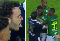 Gabriel Achilier fue expulsado por agredir a un rival en la Liga de Ecuador | VIDEO