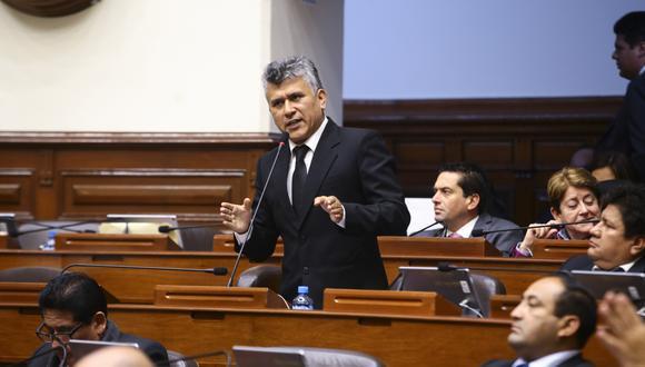 La acusación, presentada formalmente en la mesa de partes del Parlamento el 12 de enero, considera que el exlegislador César Campos cometió el presunto delito de concusión. Foto: Congreso