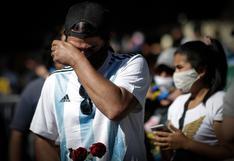 """""""Tenemos que estar"""": el amor por Diego Maradona supera el temor al coronavirus en Argentina"""