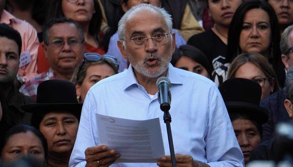 Carlos Mesa pide a militares bolivianos no reprimir a manifestantes. (EFE/Javier Mamani).