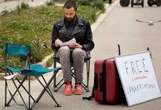 ¿Iniciarías una conversación con un extraño en la calle? Hay un movimiento que lo hace y el resultado es terapéutico