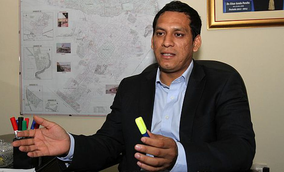 La Libertad: denuncian penalmente a gobernador regional