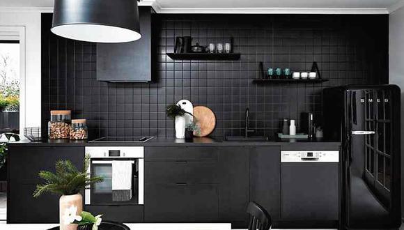 Utiliza este tono en paredes, muebles y pisos, para dividir visualmente la cocina del área social. (Foto: Poss Samperi)