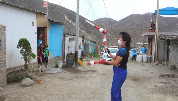 Maiq Kids y sus compañeros han tendido una mano a las familias más afectadas por la crisis que ha generado la pandemia (Foto: Laura Urbina).