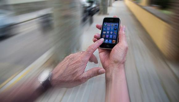 Crean un 'modo borracho' para celulares, que restringe el acceso a apps cuando se está ebrio. (Imagen: Getty Images)