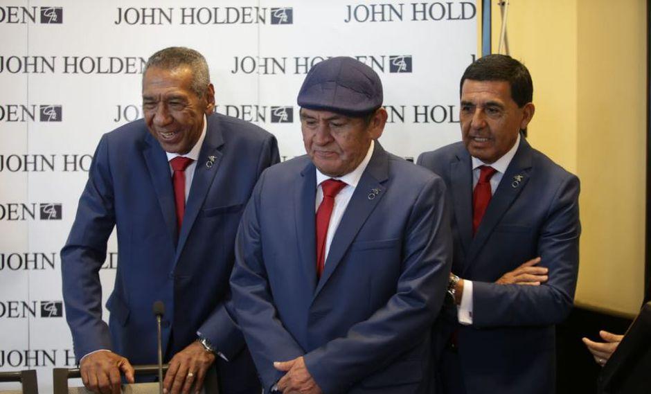 Julio Meléndez, Hugo Sotil y Jaime Duarte, glorias del fútbol peruano, fueron los modelos para presentar este traje. (Foto: Jesús Saucedo/GEC)