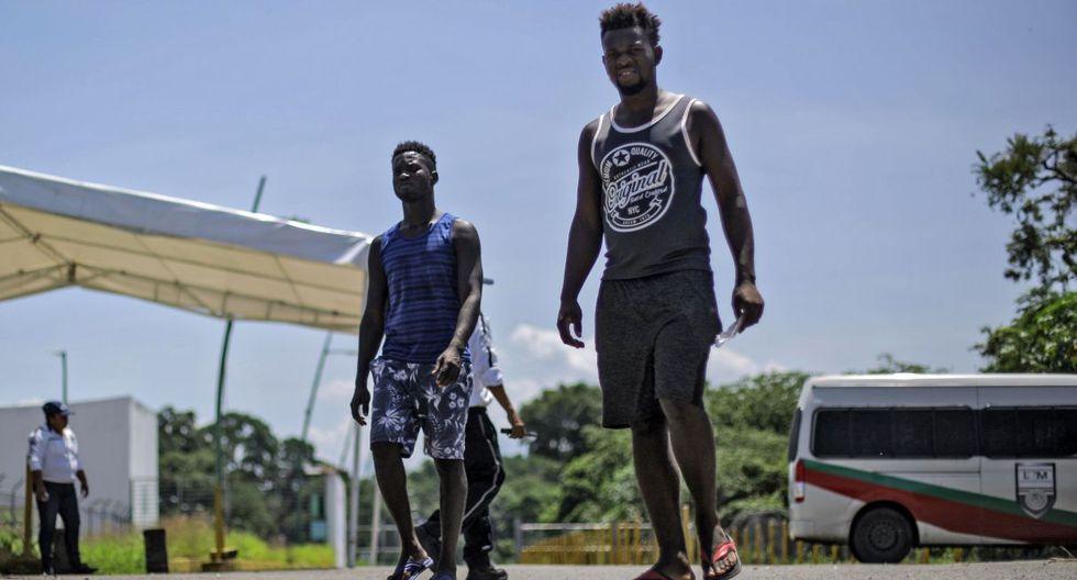 Así, mientras miles de hondureños, salvadoreños y guatemaltecos  se ocultan para evitar arrestos y deportaciones, haitianos y africanos se integran al paisaje y la cotidianidad de Tapachula. (Foto: AFP)