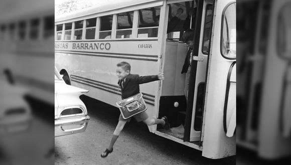 Así era el inolvidable primer día de clases en 1964, cuando la pandemia ni siquiera era una pesadilla. FOTO: Archivo Histórico El Comercio.