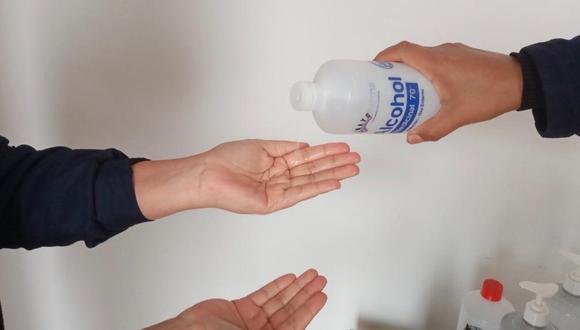 La Digemid recomendó no usar el alcohol de 96° para la higiene y antisepsia de las manos | Foto: Minsa / Referencial