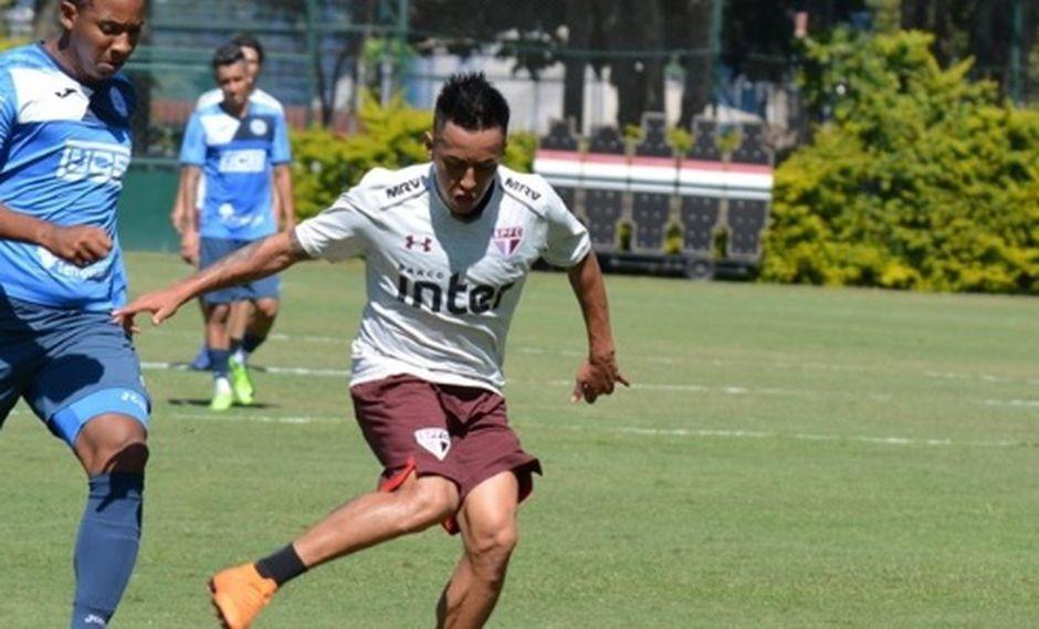 Christian Cueva ha perdido su rol principal en Sao Paulo desde la llegada de un nuevo comando técnico. Al no ser considerado entre los titulares, ha formado parte de un duelo de reservistas contra un equipo del ascenso. (Foto: Érico Leonan)