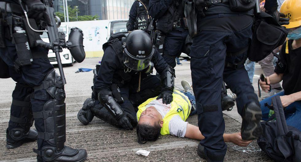 Los videos de la violenta represión a la masiva protesta en Hong Kong. Foto: EFE