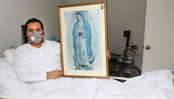 En la actualidad, el párroco Luis Núñez está convaleciendo en la casa de sus padres.  Tanto en el hospital como acá, su fe en la virgen sigue inquebrantable (Foto: Rolly Reyna/ El Comercio)