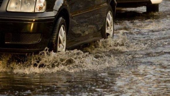 ¿Por qué se produjo el aniego e inundación de casas en Comas?