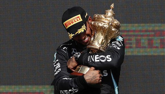 Verstappen fue eliminado del GP de Gran Bretaña tras su choque con Hamilton. (Foto: AFP)