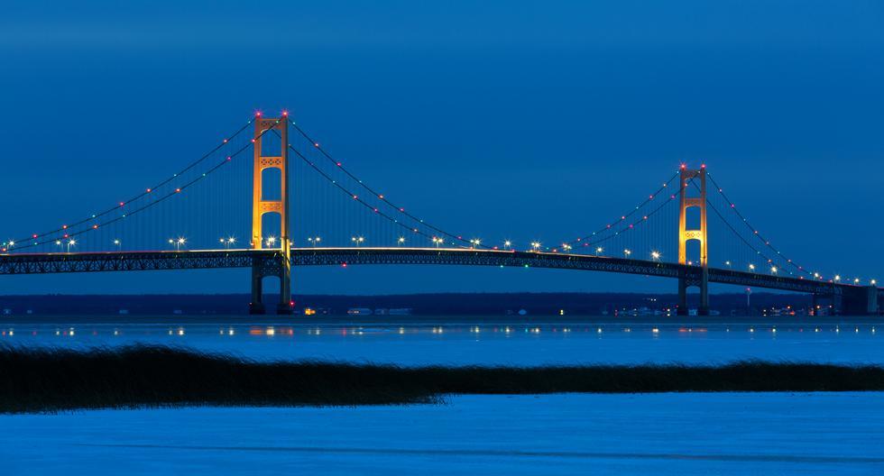 Por el puente del estrecho Mackinac transitan 11.600 autos a diario. (Foto: iStock).