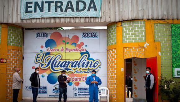 """Fernández dijo que ha recibido propuestas de diferentes bandas para la realización de eventos, pero que ha optado por postergar estas reuniones """"al menos por algunos meses"""". Foto: AFP"""