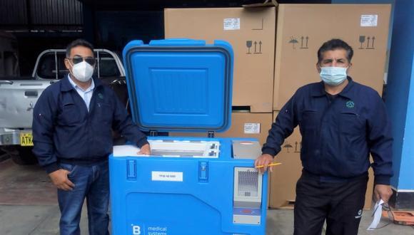 Pasco: las congeladoras permiten mantener la temperatura adecuada en contenedores portátiles o termos para vacunas. (Foto: Diresa Pasco)