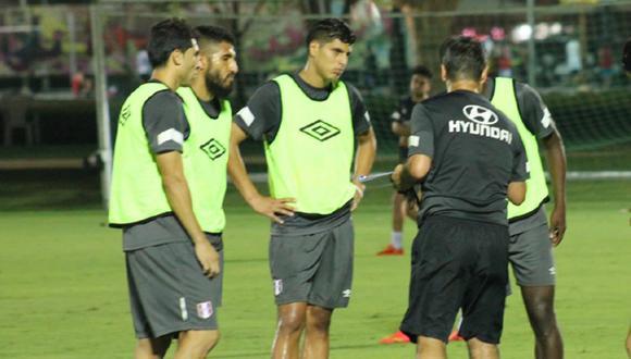 Selección entrenó por primera vez en Chile a puertas cerradas